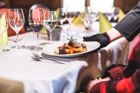 ravintola patapirtin ruoka-annos