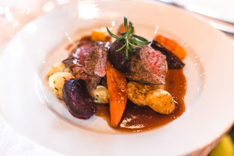 ravintola patapirtti annos ala carte lihaa ja perunaa